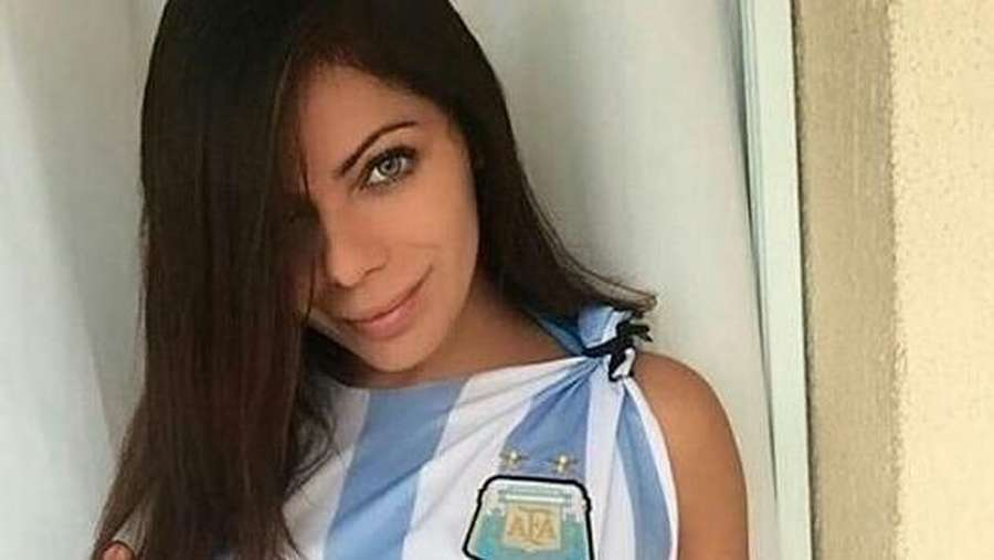 Laila Sari Meninggal Dunia, Seksinya Suzy Cortez Si Model Playboy