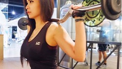 Usai melabrak Jennifer Dunn, Shafa Aliya banyak jadi perbincangan. Tak lain karena tubuh rampingnya yang jadi body goals.