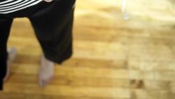 Berjalan kaki bisa membuat Anda bersemangat terus sepanjang hari. Untuk tahu manfaat kesehatan lainnya dari aktivitas tersebut, klik di sini.