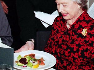Mengintip Menu Makanan Ratu Elizabeth hingga Cicip Ketan Pencok Bumiayu
