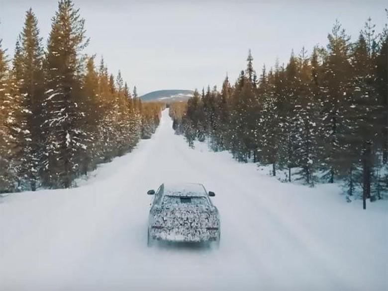 Lamborghini Urus di medan bersalju (Foto: Istimewa)