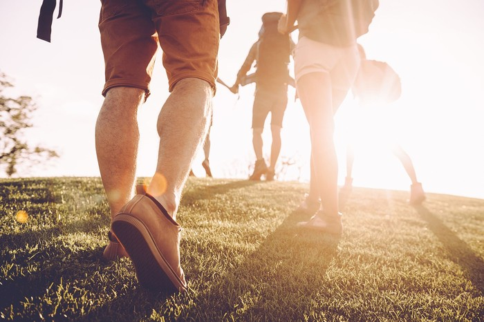 Berjalan kaki di pagi hari bisa membuat Anda bersemangat sepanjang hari. Ketika berjalan kaki, kita mengaktifkan sistem tubuh dengan cepat, denyut nadi meningkat, pernapasan semakin lancar dan tingkat kesadaran semakin meningkat. (Foto: ilustrasi/Thinkstock)
