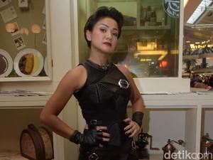 Nirina Zubir Berlatih Fisik Demi Perannya di 5 Cowok Jagoan