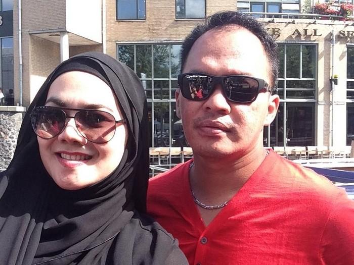 Faisal Haris bersama istrinya, Sarita Abdul Mukti