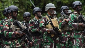Kontroversi TNI Dilibatkan Tangani Terorisme