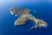 (Tagomago Private Island)