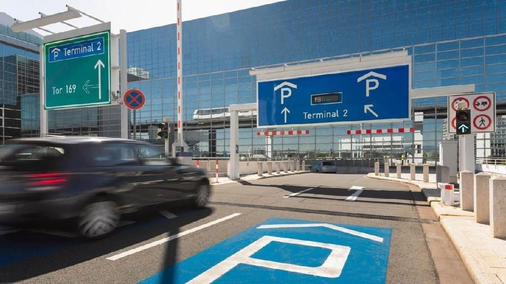 Lupa Parkir di Mana, Pria Ini Bertemu dengan Mobilnya Setelah 20 Tahun