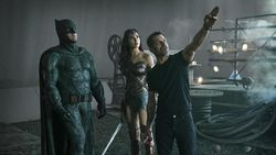 Rela Tak Dibayar, Zack Snyder Sutradarai Ulang Justice League