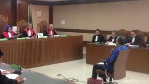 Nur Alam Didakwa Korupsi Beri Izin Tambang di Sulawesi Tenggara