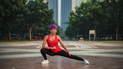 Dalam film terbarunya Nirina Zubir akan memerankan karakter seorang pembunuh bayaran. Ia pun rutin olahraga dan diet demi mendapatkan tubuh yang ideal.