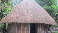 Rumah Adat Papua Barat yang Memesona
