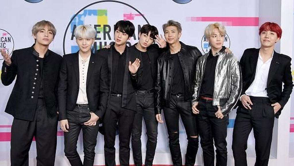 Kompak Pakai Saint Laurent, Boyband Korea BTS Curi Perhatian di AMAs 2017