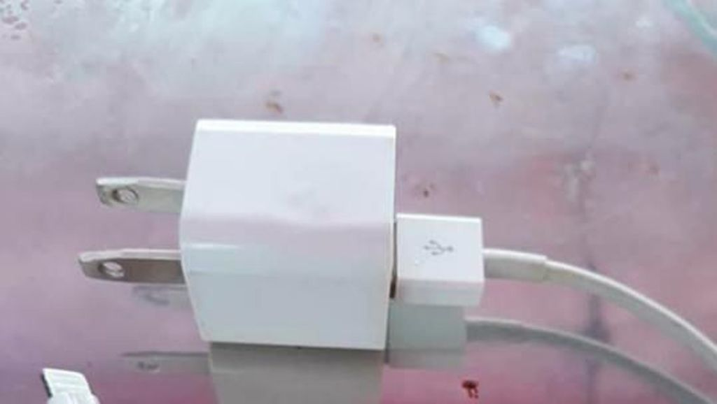 Gadis 14 Tahun Mati Tersetrum Gara-gara Kabel iPhone