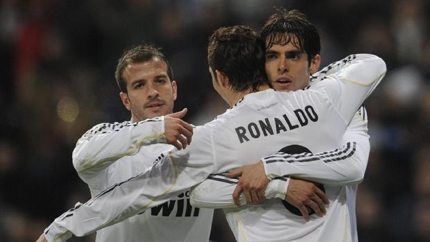 Kaka dan pemain lain jadi salah satu faktor perginya Van der Vaart dari Madrid.