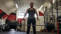 Henry Cavill, aktor pemeran Superman di Justice League, menyebut butuh perjuangan untuk membentuk tubuh tegap dan berotot. Intip olahraganya berikut ini.