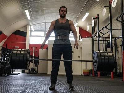 Ingin Berotot Seperti Superman? Yuk Intip Henry Cavill Berolahraga