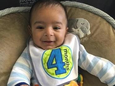 Asahd emang udah gemesin dari kecil jadi nggak heran banyak orang yang suka sama anak dari DJ terkenal ini. (Foto: Instagram/asahdkhaled)