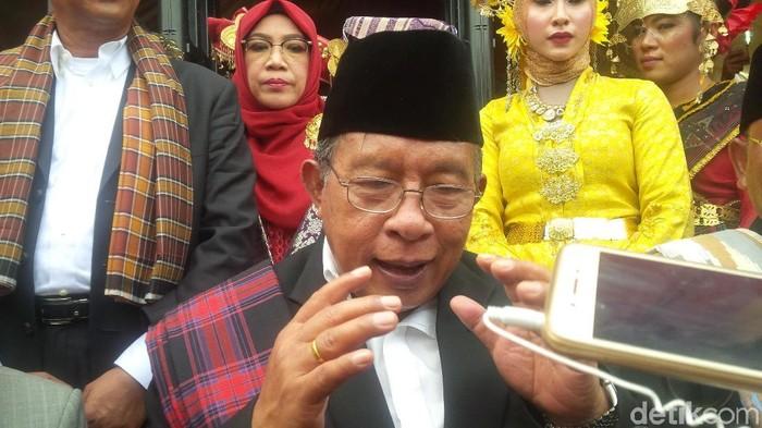 Menko Darmin Nasution bicara pemberian marga Siregar ke Kahiyang (Jefris Santama/detikcom)