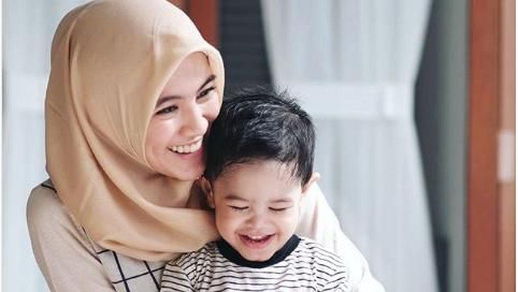 Cara Menarik Alyssa Soebandono Ajak Anak Makan Bersama Keluarga