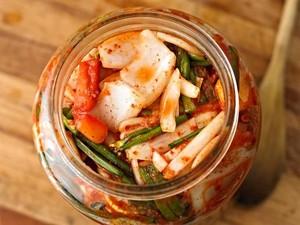 Anak Doyan Makan Kimchi? Ini Manfaat yang Bisa Didapat