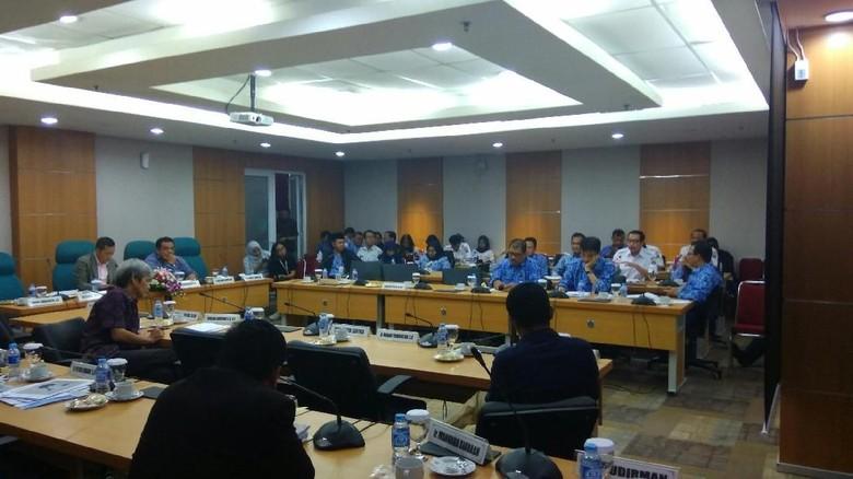 Anggota DPRD DKI Pertanyakan Pergub soal Anggaran Tim Gubernur
