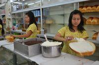 Seempuk Bantal, Ini Roti Ganda Isi Meisjes dan Srikaya dari Pematang Siantar