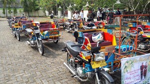 Warna-warni Becak Motor untuk Kirab Kahiyang-Bobby di Medan