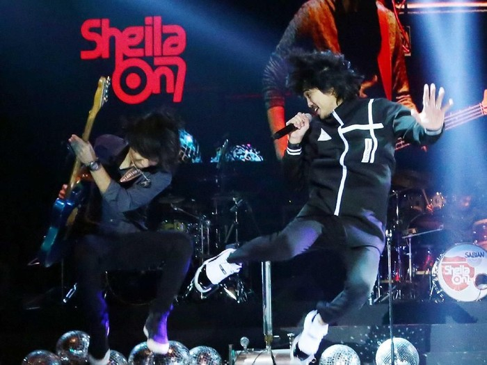 Sheila On 7 di Konser 5uper Group