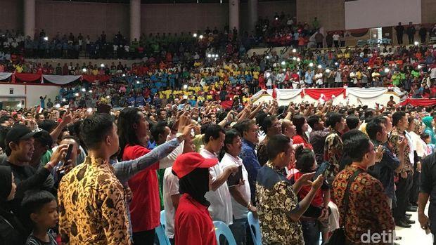 Ribuan WNI di Malaysia hdir untuk bertemu Jokowi.