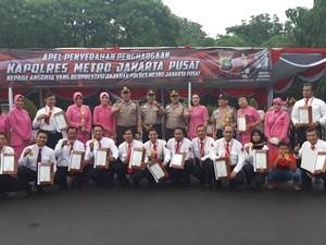 Polres Jakpus Beri Penghargaan kepada 55 Anggota Berprestasi