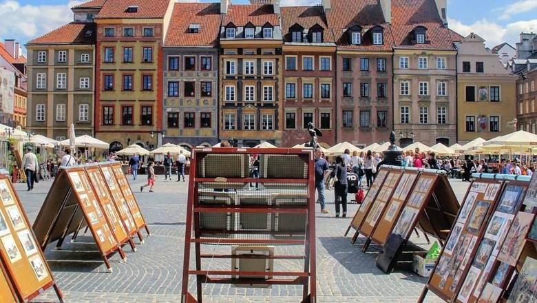 Kota Tua Warsawa (Instagram/reshontheway)