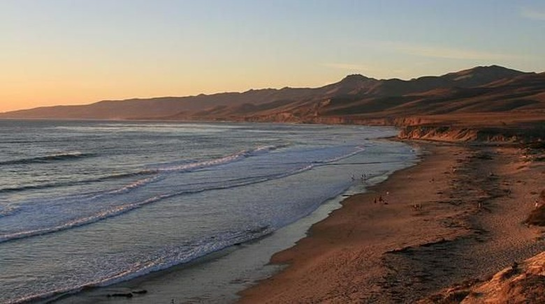 Pantai Jalama (County of Santa Barbara)