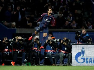 Foto-foto Terbaik Matchday V Liga Champions: Messi di Bench, Neymar Sang Predator