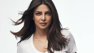Priyanka Chopra Dianugerahi Global Icon Extraordinary Award