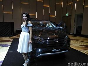 Toyota Coret Opsi Rush 5 Kursi