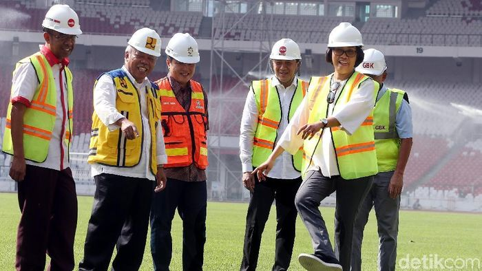 Menteri Keuangan Sri Mulyani memuji laju renovasi SUGBK.  (Rengga Sancaya/detikSport)
