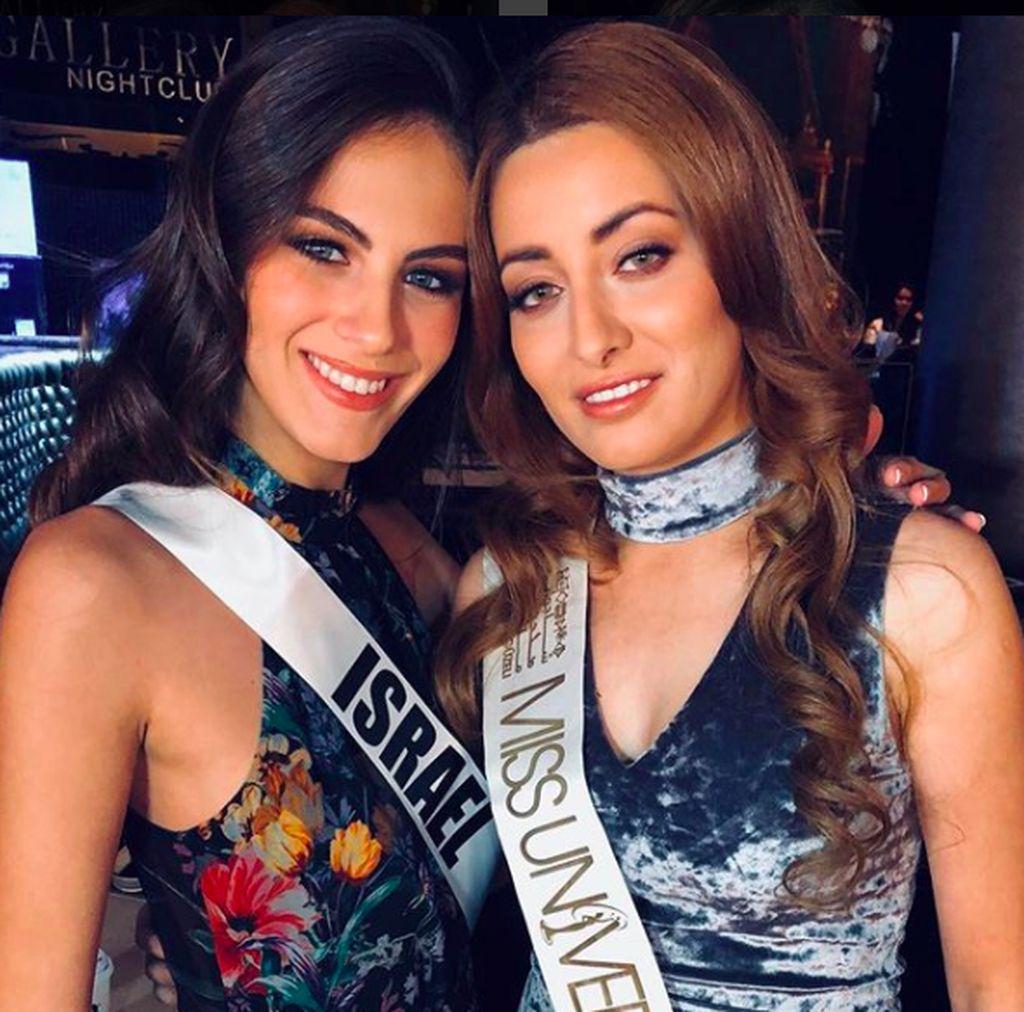 Ini foto yang dipajang di akun Instagram Miss Israel Adar Gandelsman bersama Miss Irak Sarah Eedan. Foto ini banyak menuai kontroversi begitu dipajang di medsos terutama di Irak yang tak punya hubungan diplomatik dengan Israel. Foto: Instagram