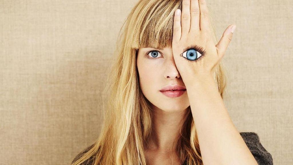 3 Kondisi Mata yang Ternyata Jadi Gejala COVID-19, Merah hingga Fotofobia