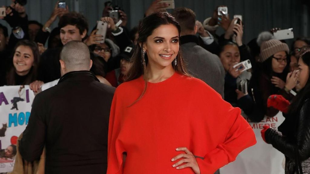 Virus Corona Merebak di Prancis, Deepika Padukone Batal ke Paris Fashion Week