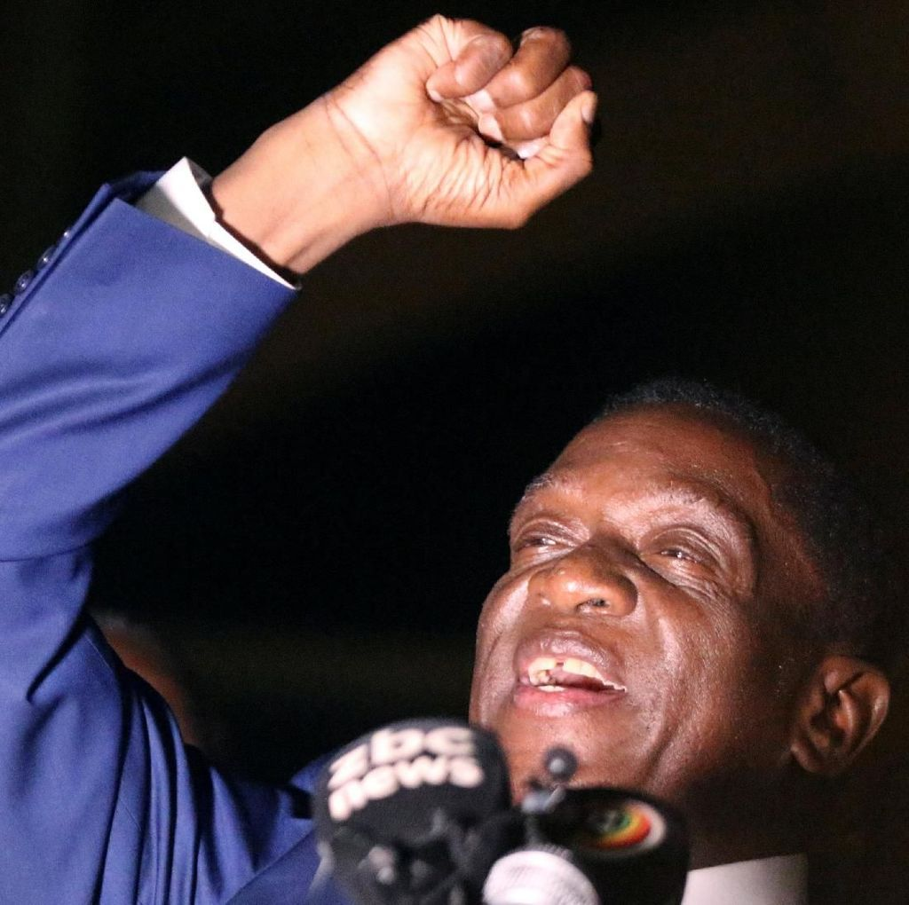 Lagi Asyik Kampanye, Presiden Zimbabwe Diserang Ledakan