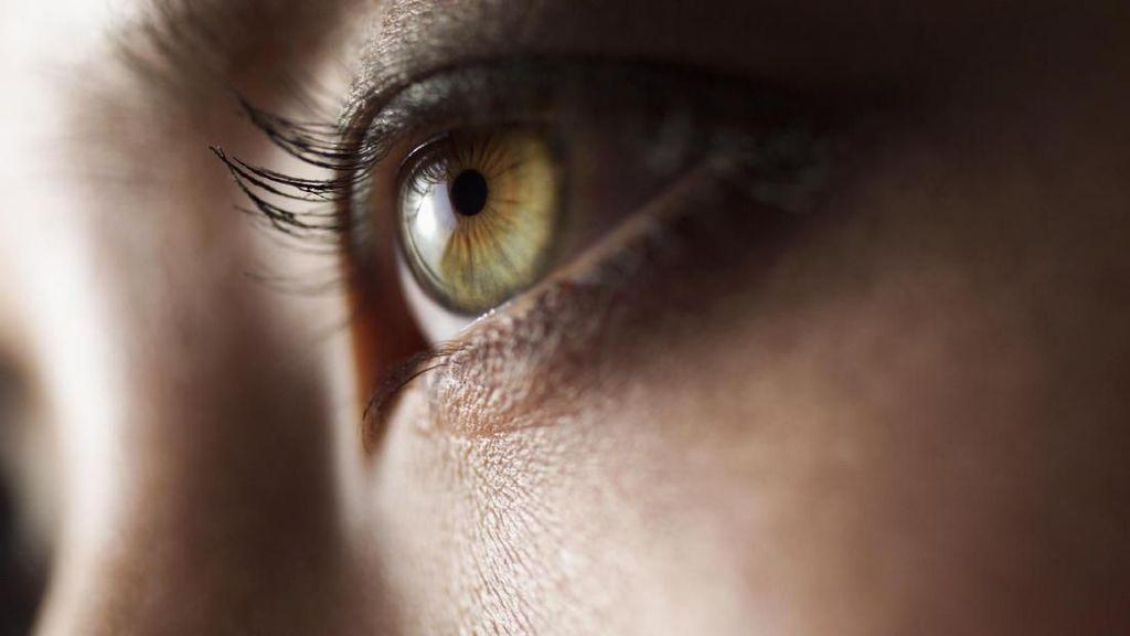 Ilmuwan Temukan Pasien Corona Alami Gejala Mata Berair