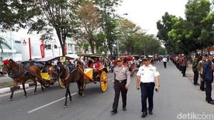 Kereta Kencana dari Solo Ikuti Geladi Kirab Kahiyang-Bobby di Medan