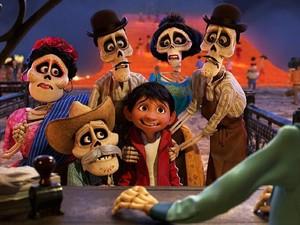 Coco Jadi Film Animasi Terbaik di Golden Globe 2018