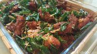 Ada pula ayam goreng khas Aceh