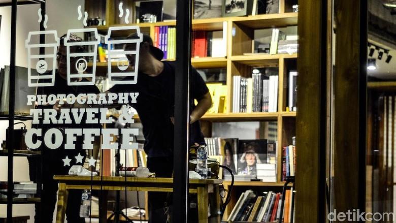 Monogram Asia, Tempat Ngopi Pecinta Fotografi di Jakarta
