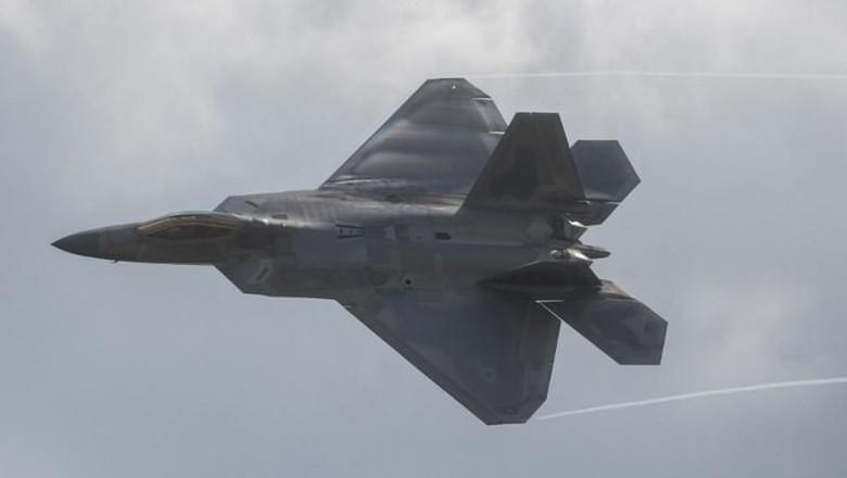 Bersitegang dengan Iran, AS Kerahkan Pesawat Siluman F-22 ke Qatar