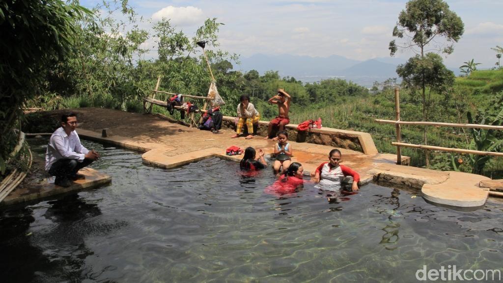 Foto: Mata Air Campaka yang Berkhasiat Nan Segar