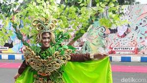 Fashion Show Islami Ini Sajikan Pesona Hutan Baluran