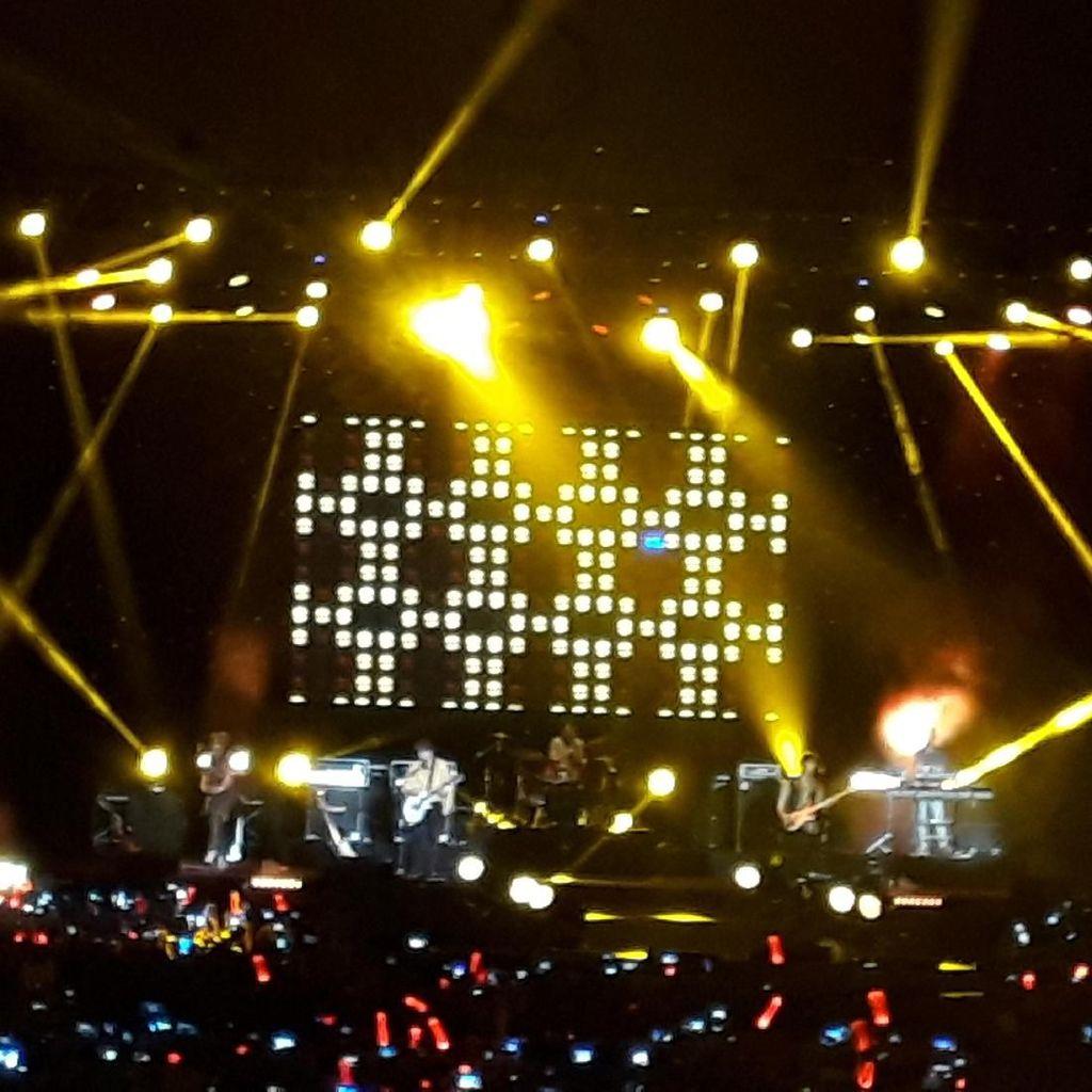 Comeback, DAY6 Puncaki Chart iTunes di 14 Negara