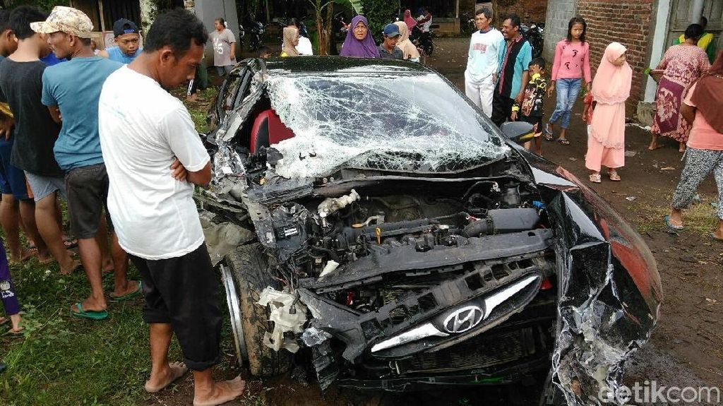 Pakai Kendaraan Orang Lain, Asuransi Tabrakan Masih Ditanggung?